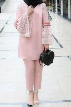 Trendy ideas fashion hijab casual bebe Source by fashion hijab Pakistani Fashion Casual, Pakistani Dresses Casual, Hijab Casual, Pakistani Dress Design, Abaya Fashion, Muslim Fashion, Modest Fashion, Fashion Dresses, Hijab Fashion Casual