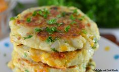 This is one of the best recipes to use leftover mashed potatoes, especially after the holidays! A mixture of fresh herbs, garlic and some cheesy goodness makes this potato pancake perfection! Mashed Potato Patties, Mashed Potato Cakes, Cheese Mashed Potatoes, Potato Pancakes, Vegetable Recipes, Vegetarian Recipes, Cooking Recipes, Vegetable Sides, Cooking Ideas