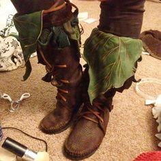 My new @TreadLightGear boots. Ohhhhh, man. I love them. I can't wait to wear them out!  #faeriesofinstagram #fairiesofinstagram #faerie #faefashion #boots #moccasins #elven #elvish #elf #nettle #TreadLightGear  #faenettle