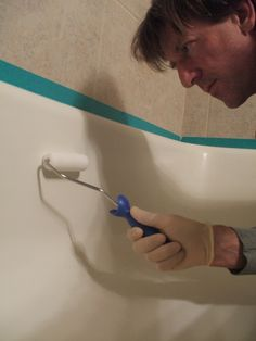 Can you refinish your own shower or bathtub? Learn how to refinish your own bathtub or shower using low-cost materials. Bathtub Inserts, Shower Inserts, Old Bathtub, Cast Iron Bathtub, Cast Iron Tub Refinish, Freestanding Bathtub, Bathtub Refinishing, Painting Bathtub, Home