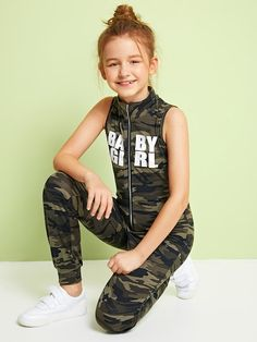 To find out about the Girls Zip Front Letter & Camo Print Sleeveless Jumpsuit at SHEIN, part of our latest Girls Jumpsuits ready to shop online today! Girls Fashion Clothes, Kids Outfits Girls, Tween Fashion, Cute Outfits For Kids, Cute Summer Outfits, Fashion Outfits, Cute Camo Outfits, Tween Mode, Jumpsuits For Girls