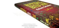 Buku Islam Ritual Bidah - Bidah merupakan suatu ajaran yang baru di buat dalam agama yang tidak disandarkan dengan dalil-dalil syari'i. Buku ini berisi beberapa kumpulan amalan bidah dalam setahun yang harus kita hindari.  Rp. 73.000,-  Hubungi: +6281567989028  Invite: BB: 7D2FB160 email: store@nikimura.com  #bukuislam #tokomuslim #tokobukuislam #readystock #tokobukuonline #bestseller #Yogyakarta #bidah Islam, Cover, Books, Livros, Livres, Book, Blankets, Libri, Libros