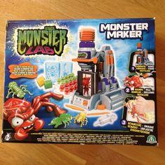 Monster maker (6 a 12 años): Hacer monstruos biscosos.  Causa beneficiada: Becas para huérfanos en Dzanja