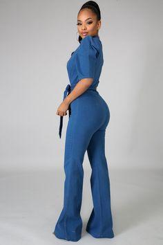 Denim Playsuit, Denim Jumpsuit, Jumpsuit Outfit, Jumpsuit Style, Water Modeling, Summer Looks, Well Dressed, Fashion Dresses, Classy