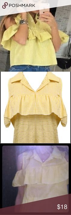 Ruffles Off the Shoulder Plaid yellow top Ruffles Off the Shoulder Plaid yellow top Runs at least one size small Tops