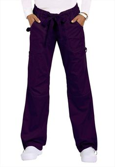 Koi Lindsey cargo scrub pants-my favorite. Uniform Clothes, Scrubs Uniform, Work Clothes, Doula, Work Uniforms, Nurse Uniforms, Medical Scrubs, Nursing Scrubs, Scrub Sets