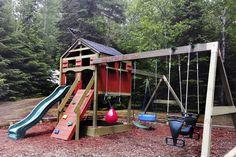 De la charpente en bois de séquoia aux cabanes de cèdre blanc en passant par les accessoires sur mesure, les modules de jeux extérieurs offrent une large palette de possibilités. Comment choisir le bon modèle? Vaut-il la peine d'investir dans une structure haut de gamme? Deux fabricants québécois nous éclairent. Play Houses, Playground, Have Fun, Backyard, Simple, Gardens, Log Projects, Courtyards, Games