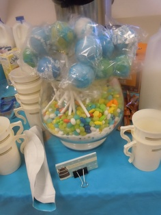 more under the sea cake pops in fish bowl display.