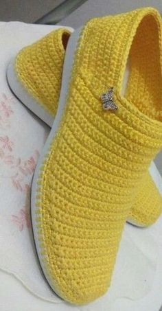 Discover thousands of images about Crochet Boots Knit boots for street adult outdoor made to Order Boots crochet Crochet Knitted Shoes Outdoor Boots PINK Crochet Slipper Boots, Crochet Sandals, Knit Shoes, Crochet Slippers, Clog Slippers, Crochet Diy, Vintage Crochet, Crochet Crafts, Crochet Projects
