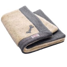 For the perfect afternoon nap!  http://www.lovemydog.co.uk/daplyn/daplyn-grey-harris-tweed-dog-blanket.html