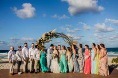 Casamento na praia em Punta Cana com padrinhos e madrinhas Punta Cana, Destination Wedding, Destination Weddings, Wedding On The Beach, Godmothers, Traveling