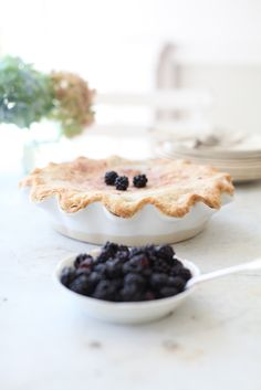Dreamy Whites: Blackberry Pie.....My Mom's Pie Crust Recipe...Facebook and Twitter