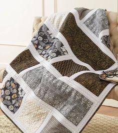 Buttercream Black, White and Gold Quilt | DIY Quilt | Buttercream Quilt