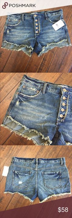 SALE!  See Posting☀️Free People New Free People cutoffs with a shorter length in the front. Distressed color and fabric. The color has a bit of a yellow/brown tint to bring out the distressed vibe. Love!! Free People Shorts Jean Shorts