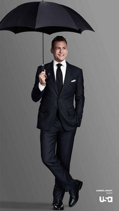 傘さしてるんヾ(*´▽`*)ノ 今日のモフモフさん #GabrielMacht