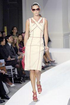 Oscar de la Renta Spring 2008 Ready-to-Wear Fashion Show - Chrissy Haldis