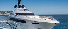 Uno yacht di grande fascino. Carattere sportivo, profilo accattivante e interni ricercati: è questo M/Y Yalla, il 73 metri realizzato da CRN....