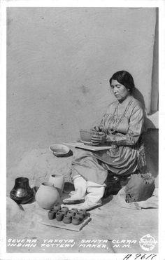 Severa Tafoya, Santa Clara Indian Pottery Maker, New Mexico, 1935 Mehr American Indian Pottery, Native American Pottery, American Ceramics