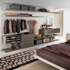 i like the different heights of the drawers & the openness