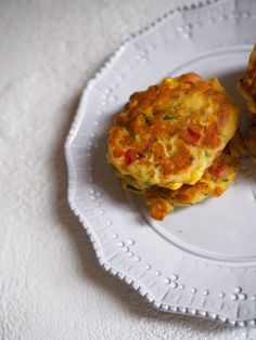 Ricotta and Vegetable Fritters Recipe - Fat Mum Slim Real Food Recipes, Vegetarian Recipes, Snack Recipes, Cooking Recipes, Yummy Food, Snacks, Dinner Recipes, Healthy Recipes, Sweetcorn Fritters Recipe
