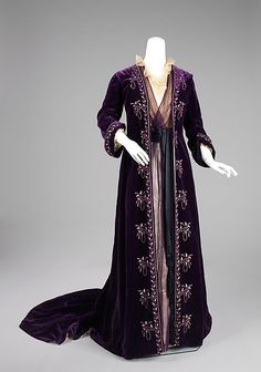 Beautiful Tea Gown designed by Jean-Philippe Worth