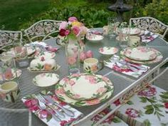 Table set with Franciscan Desert Rose dishes Desert Rose Dishes, Fine China Dinnerware, Dinnerware Sets, Franciscan Ware, Beautiful Table Settings, Fresco, Rose Tea, Easter Table, A Table