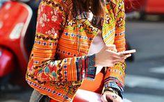 L'été sera chaud et coloré ! Le style ethnique-chic trouve sa place dans nos dressings. On aime se sentir belle, en toute légèreté !Le style ethnique nous vient de différentes ethnies, donc de différents pays et différentes civilisations, avec chacun son style, ses couleurs, ses codes.… #verymojo #montre #watch #woman #girls #ethnique #chic #trendy #ootd #outfit #fasion