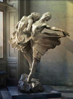 Joey Zhangfan's image of Richard MacDonald's bronze sculpture Sisters