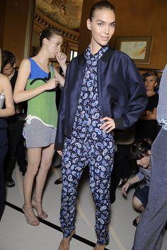Spring 2012 Backstage Pictures: Alexander McQueen, Louis Vuitton, YSL, Stella McCartney, Giambattista Valli, Chloe, Valentino Photo 1