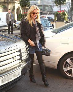 Kate Moss chanel bag sunglasses