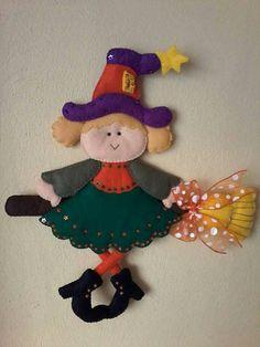 Bruja Dulceros Halloween, Moldes Halloween, Adornos Halloween, Manualidades Halloween, Homemade Ornaments, Felt Ornaments, Felt Crafts, Diy Crafts, Quiet Book Patterns