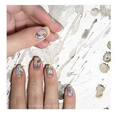 Nail art is a very popular trend these days and every woman you meet seems to have beautiful nails. It used to be that women would just go get a manicure or pedicure to get their nails trimmed and shaped with just a few coats of plain nail polish. Minimalist Nails, Trendy Nails, Cute Nails, Hair And Nails, My Nails, Nail Manicure, Nail Polish, Gel Nagel Design, Nagellack Trends