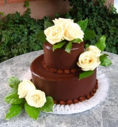 Love Chocolate on cakes! Yellow Rose