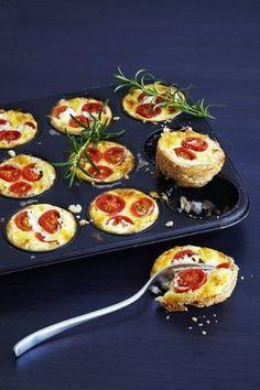 Småpajer i muffinsform Tapas, Appetizer Recipes, Snack Recipes, Snacks, Scandinavian Food, Swedish Recipes, Love Food, Vegetarian Recipes, Food Porn