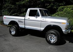 old pickup trucks Old Pickup Trucks, Lifted Ford Trucks, 4x4 Trucks, Cool Trucks, F150 Truck, Chevy Trucks, 1979 Ford Truck, Ford 4x4, Ford Bronco