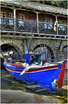 Discover the world through photos. Boat, Community, World, House, Dinghy, Boats, Haus, The World, Home