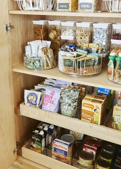 Best kitchen cabinets - Inside All Our (Super Organized) Drawers & Cabinets in the Mountain House Kitchen (Emily Henderson) – Best kitchen cabinets Kitchen Drawer Organization, Home Organisation, Organization Hacks, Kitchen Storage, Organizing Tips, Kitchen Shelves, Organising, Best Kitchen Cabinets, Kitchen Pantry