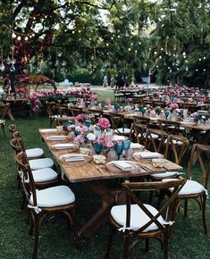 ,With this calorazo you fancy a cool, cool outdoor dinner surrounded by nature Instead of choosing a room many couples prefer to be surrounded by green. Beach Wedding Reception, Wedding Table, Beach Weddings, Hippie Chic Weddings, Wedding Decorations, Table Decorations, Rustic Table, Rustic Chic, Take A Seat