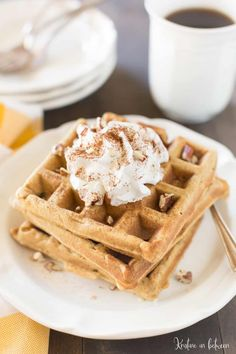 These small-batch whole wheat pumpkin waffles make the perfect fall breakfast without tons of leftovers. They are light and fluffy and taste like fall! Fall Breakfast, Breakfast Items, Sweet Breakfast, Pumpkin Pie Oatmeal, Pumpkin Waffles, Great Recipes, Favorite Recipes, Delicious Recipes, Recipe Ideas