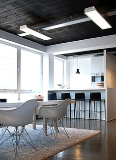 View of the custom made coffee bar and table inside the Scheepmakershaven office renovation by Dutch office NOMAA|architecture & interior.