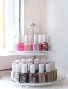 Appealing DIY (and a few others) Make Up Organizer - I .- Ansprechende DIY (und ein paar andere) Make Up Organizer – Ideen OK Your nail polishes are just boring on a shelf? How about this Etagère for storage? Make Up Organizer, Make Up Storage, Storage Hacks, Storage Organizers, Smart Storage, Diy Storage, Storage Room, Tool Storage, Beauty Storage Ideas