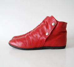 vintage Red Leather Ankle Boots / Pixie boots / snaps / Sam and Libby Flat Jazz Shoes / made in Brazil sz 8.5 9 B
