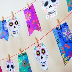 Easy to make, just print, cut and hand, no need for special tools or paper. Make this dia de los muertos garland in 30 minutes!