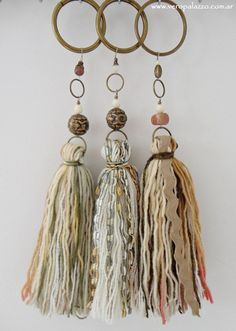 Could use wooden curtain rod rings Diy Tassel, Tassel Jewelry, Fabric Jewelry, Boho Necklace, Leather Jewelry, Tassels, Diy And Crafts, Arts And Crafts, Passementerie