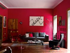 See these amazing red living rooms that will blow your mind! Discover the beauty of living rooms with red walls and get obsessed! Red Living Room Decor, Red Wall Decor, Brown Couch Living Room, Dark Living Rooms, Simple Living Room, Interior Design Living Room, Living Room Designs, Modern Living, Red Rooms