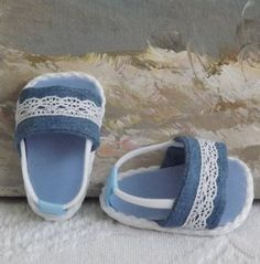 American Girl Doll Clothes Sandals Shoes Denim by sewgrandmacathy Sewing Doll Clothes, Sewing Dolls, Girl Doll Clothes, Girl Dolls, Ag Dolls, Barbie Clothes, American Girl Doll Shoes, American Doll Clothes, American Girls