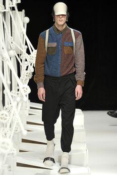Henrik Vibskov, Look Mens Fashion Week, Fashion Show, Fashion Design, Fashion Weeks, Men's Wardrobe, Modern Luxury, Menswear, Vogue, Hipster