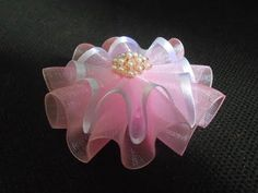 El lazo-flor de organzy МК\/Bow- flower from ribbon. Ribbon Hair Clips, Ribbon Art, Diy Hair Bows, Diy Ribbon, Ribbon Crafts, Fabric Ribbon, Flower Crafts, Ribbon Bows, Ribbon Projects