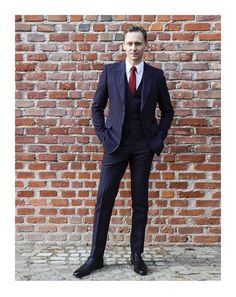 Face of the Gucci Tailoring campaign, Tom Hiddleston in a Gucci navy pinstripe two-button New Marseille three piece suit in Milan, Italy 22.2.2107 From https://twitter.com/gucci/status/834583659869007872 Via http://tw.weibo.com/torilla/4078390635889754