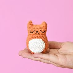 Invisible Increase and Invisible Decrease Crochet Techniques - Tiny Curl Crochet Crochet Cat Pattern, Free Crochet, Kids Crochet, Crochet Teddy, Crochet Socks, Free Pattern, Invisible Decrease Crochet, Dmc Embroidery Floss, Flower Embroidery